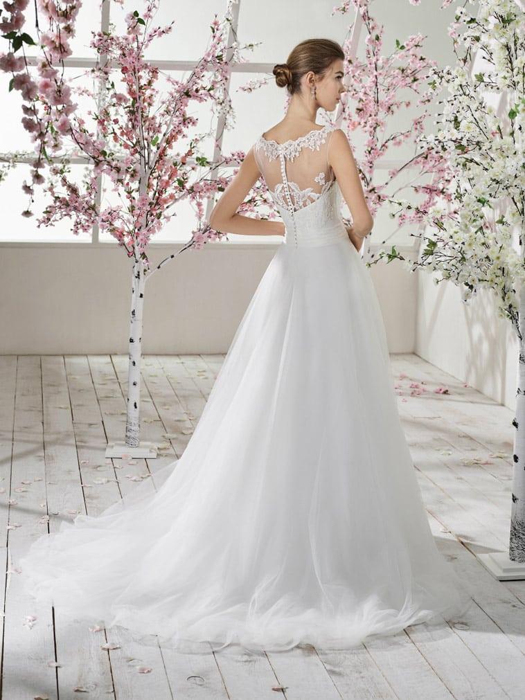 brudekjole med smuk ryg