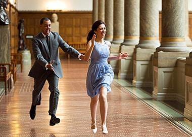 Brudepar der løber