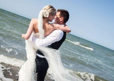 Brudepar i vand