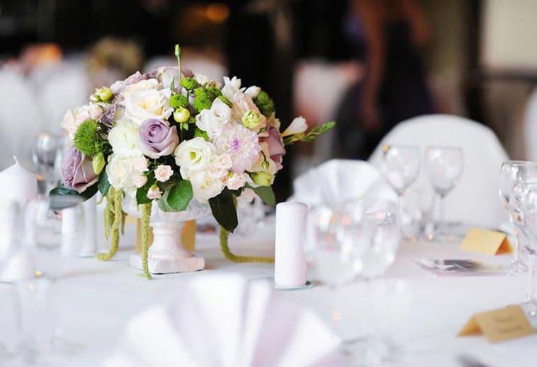 blomsterdekoration bord