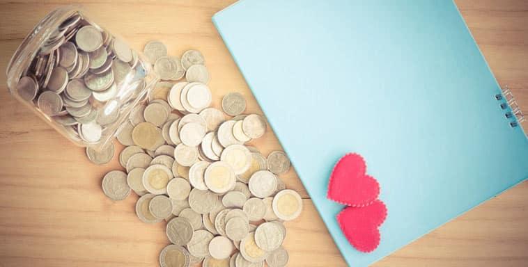 mønter og røde hjerter