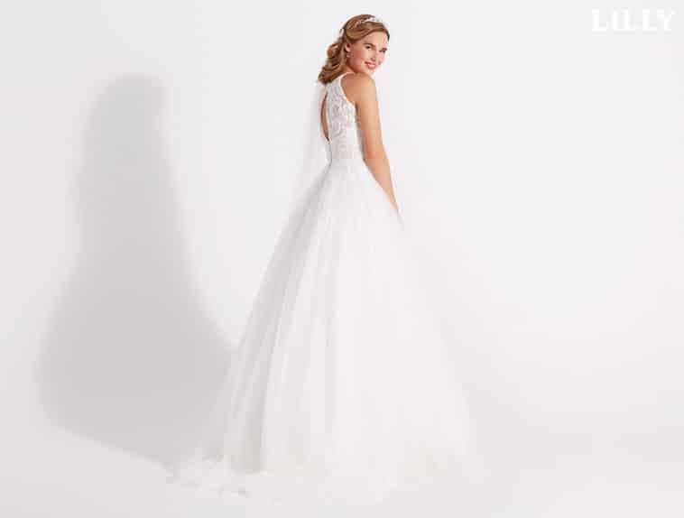 brudekjole med blonde overdel