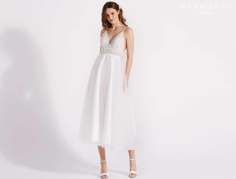 3/4 lang brudekjole med tynde stropper