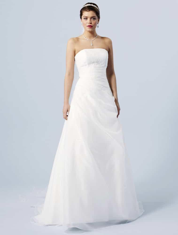 Brudekjole med let draperet forstykke