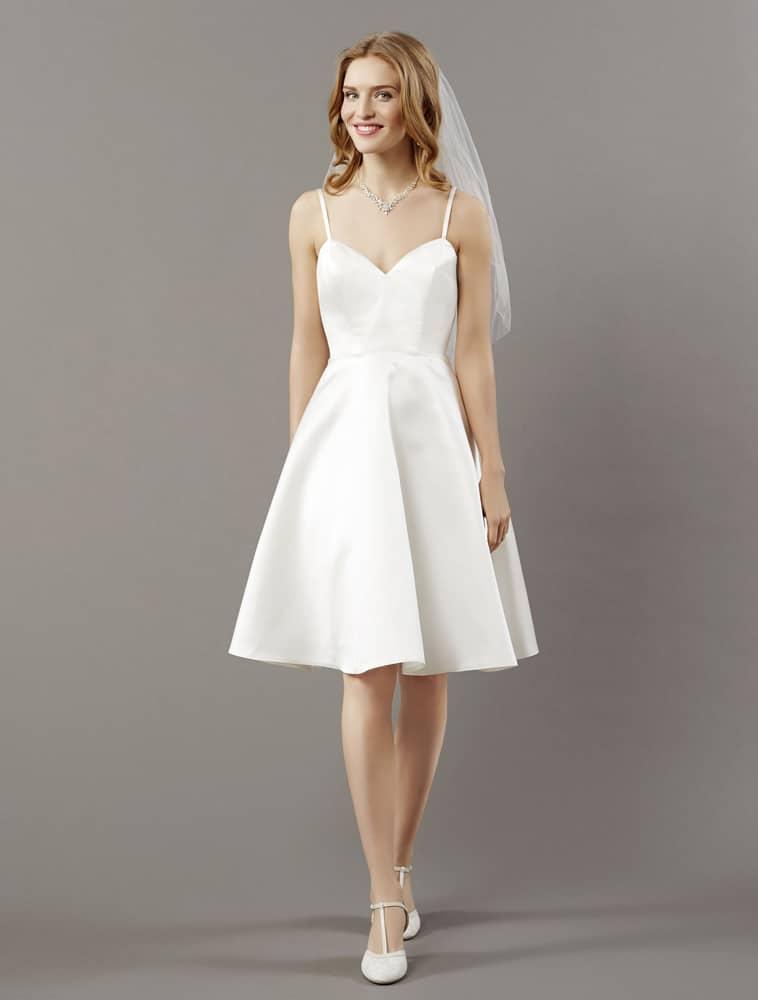 Kort brudekjole med tynde stropper