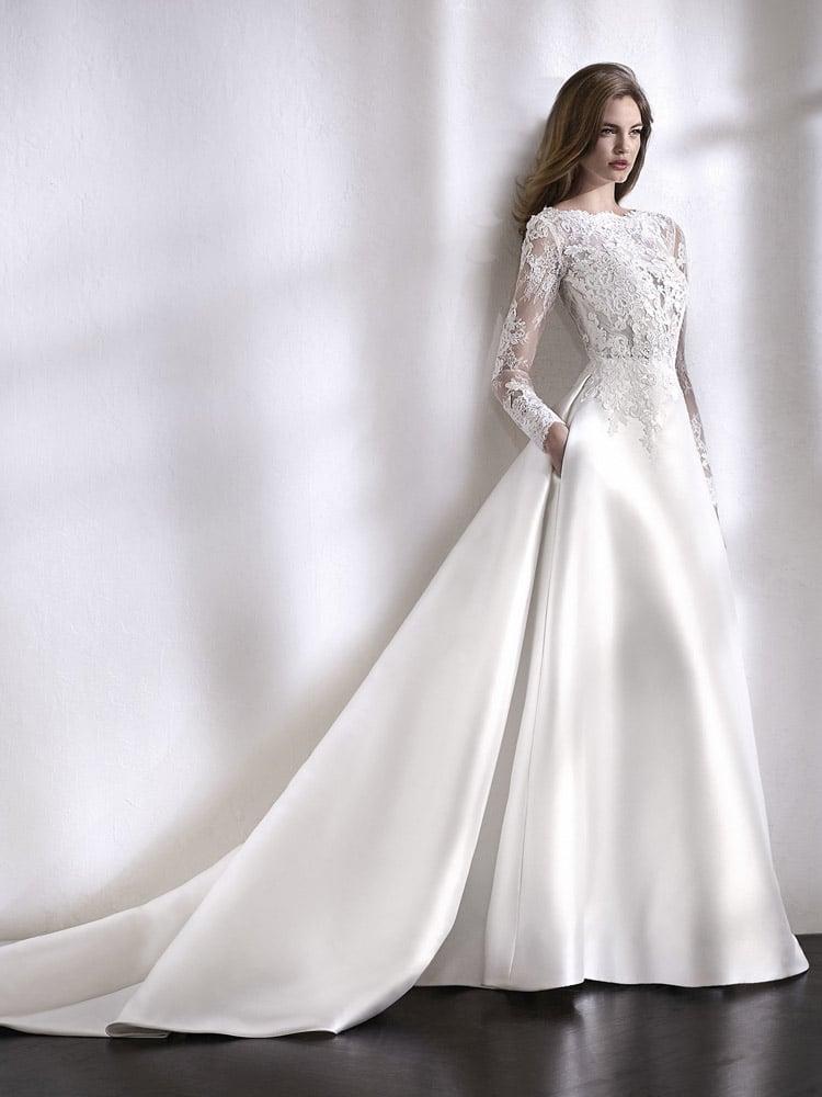 brudekjole med lommer og lange ærmer