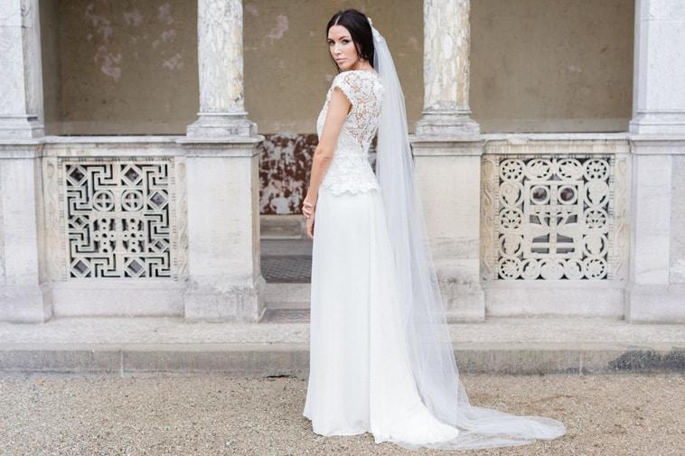 brudekjole med flot blonderyg