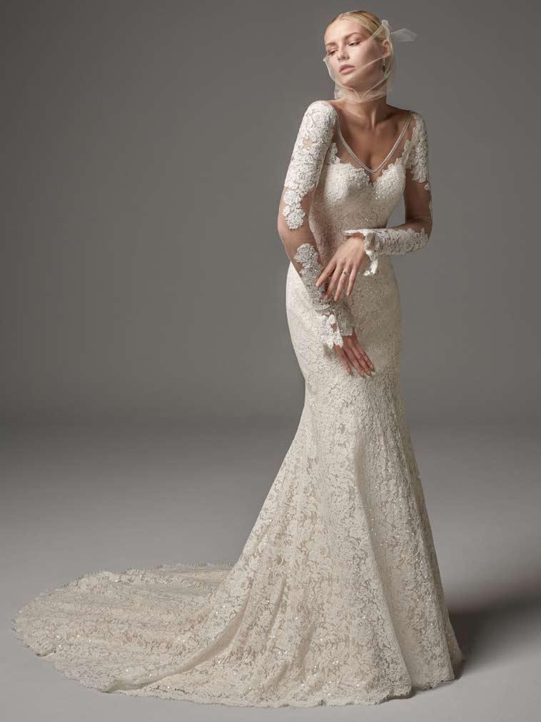 brudekjole med helblonde og lange ærmer