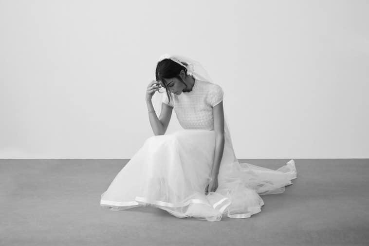 brudekjole med korte ærmer