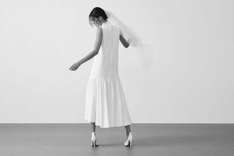 brudekjole med lavt skåret underdel