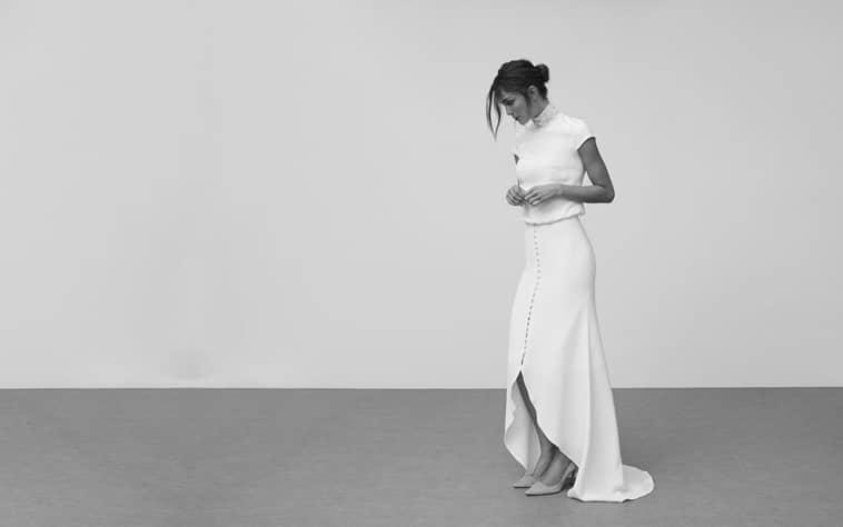 todelt brudekjole med korte ærmer