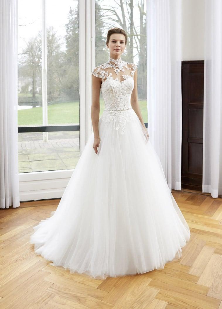 a-line-brudekjole med høj hals