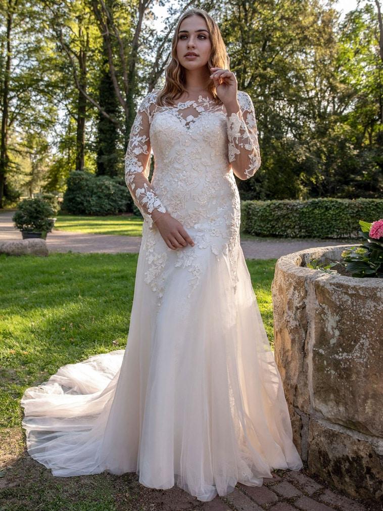 brudekjole plus size med lange æmer