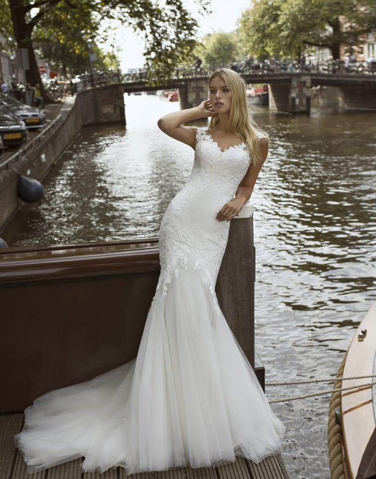 havfrue-brudekjole med små ærmer