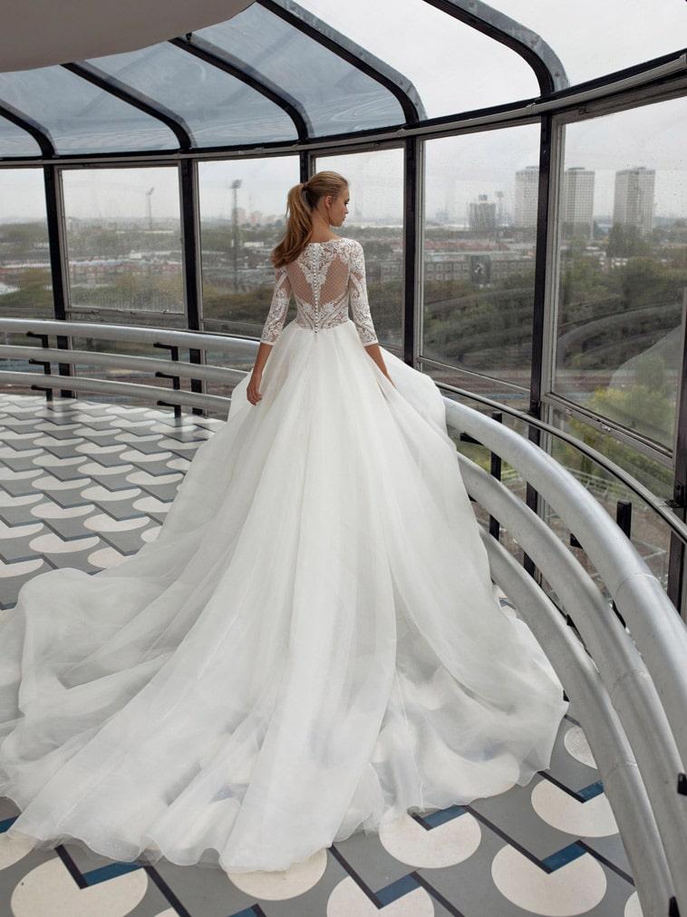brudekjole med tyl og organza