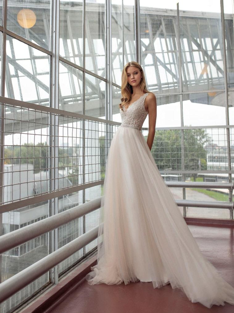 A-line brudekjole med perler på overdelen