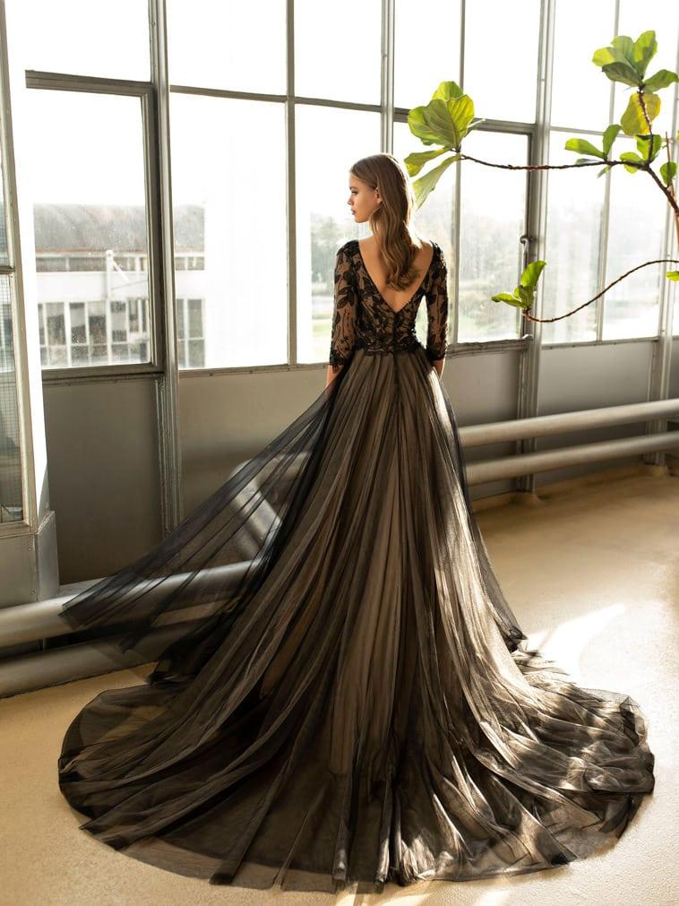 sort brudekjole med lange ærmer