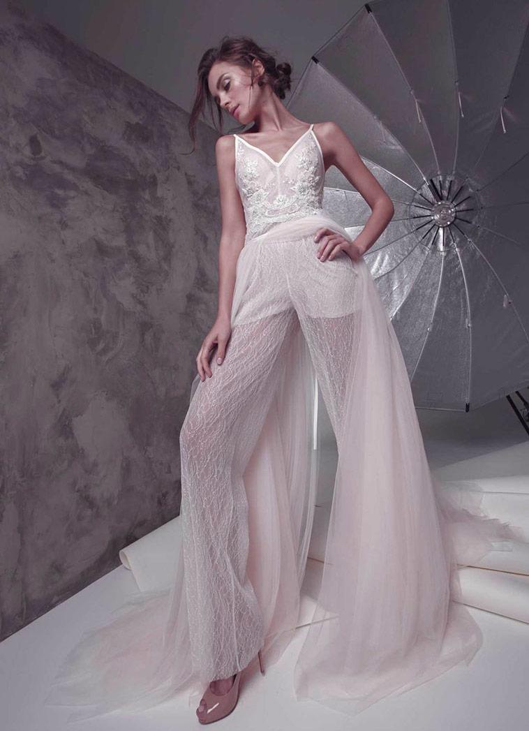 buksedragt brudekjole