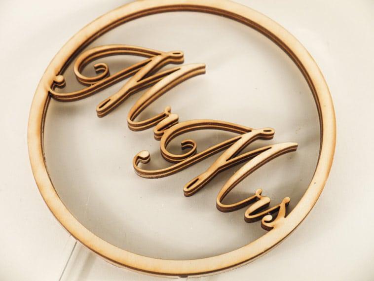MrMrs bryllupskage monogram
