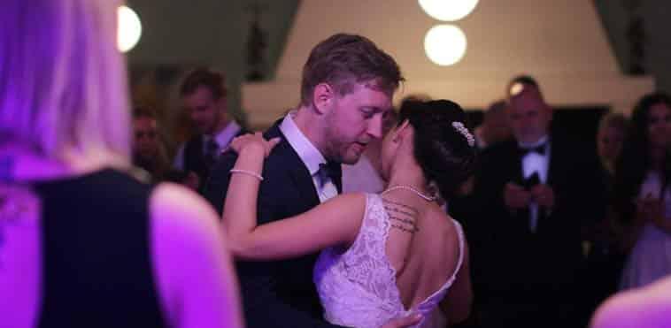 Brudepar der danser