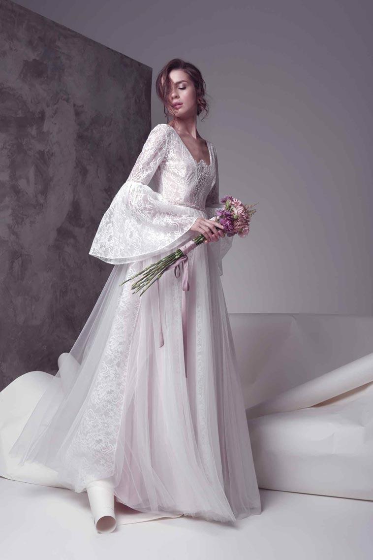brudekjole med store ærmer
