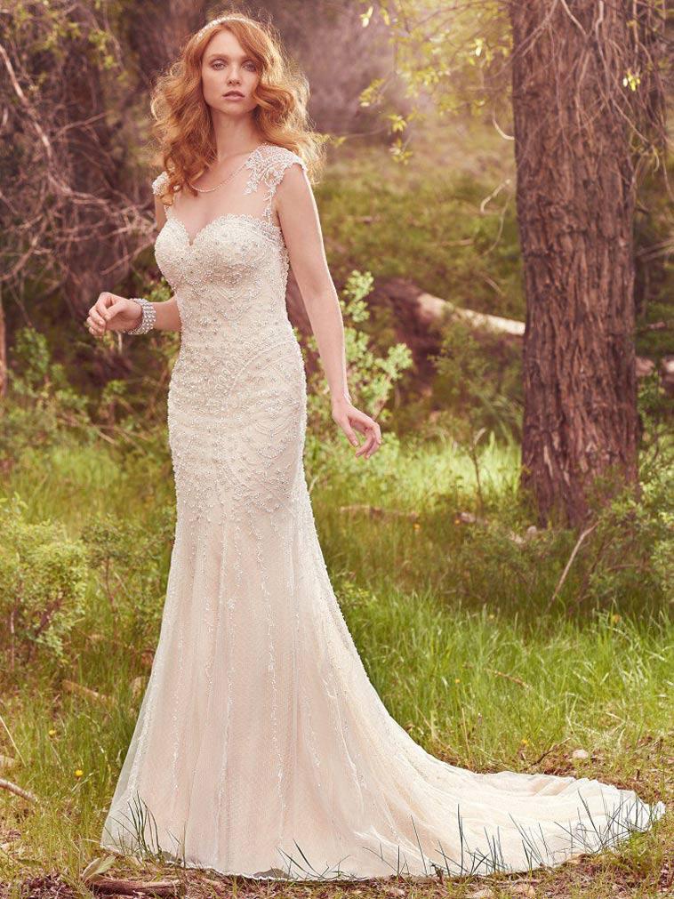 brudekjole med perler og svarowski krystaller