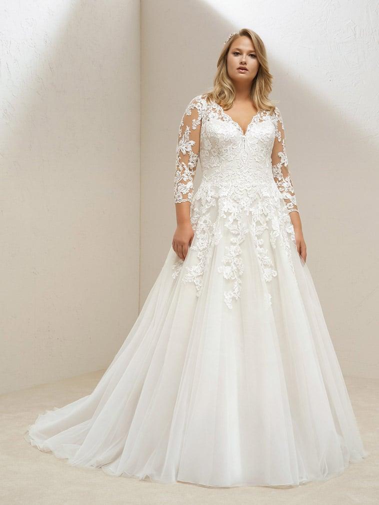 plus size brudekjole med lange ærmer
