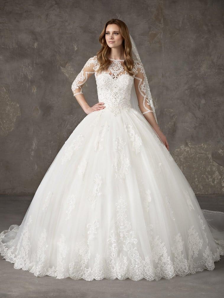 brudekjole stort prinsesse skørt