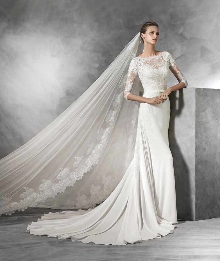 brudekjole med halvlange ærmer