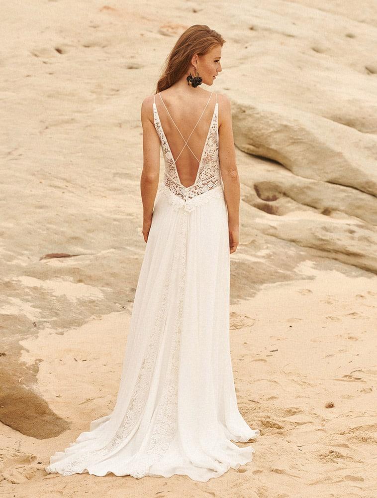 brudekjole ned dyb V-udskæring i ryggen