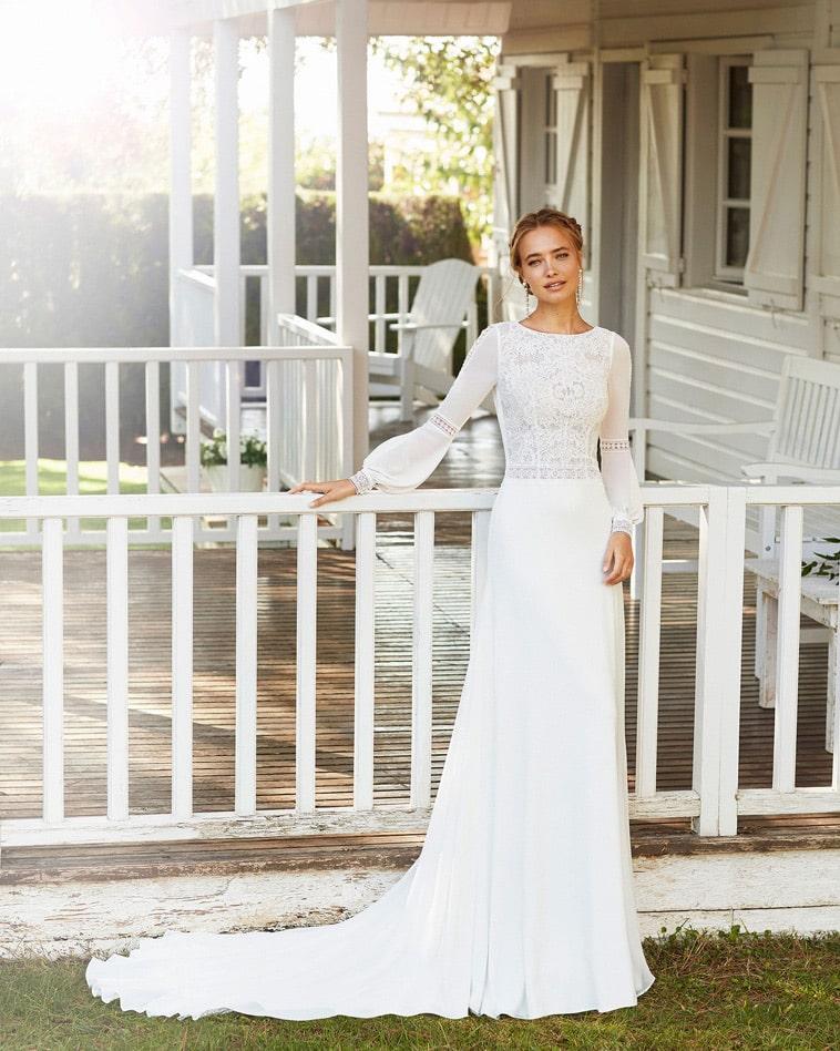 boheme brudekjole i crepe med lange ærmer