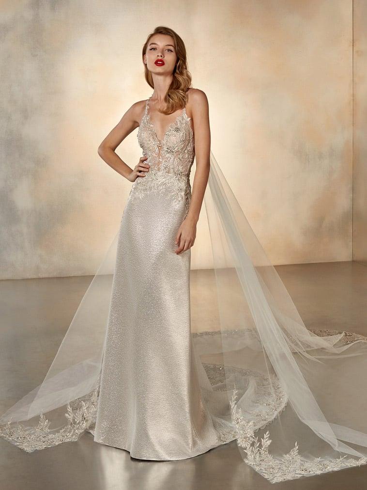 Etui brudekjole i gylden brokade
