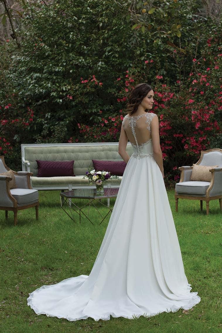 brudekjole medknapper bagpå