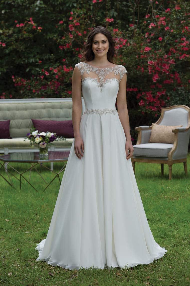 brudekjole med bodice lace og smukt fald