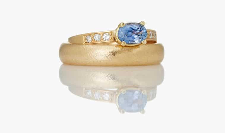 Vielsesringe guld blå safir og brillanter til damen