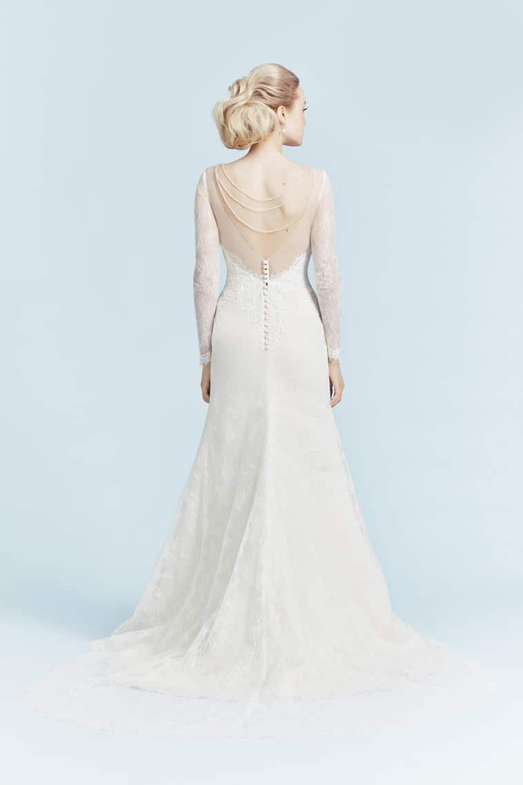 brudekjole med lange ærmer og transparent ryg