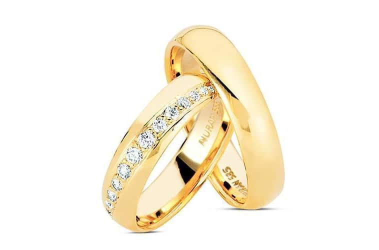 vielsesringe-guld-med-mange-diamanter