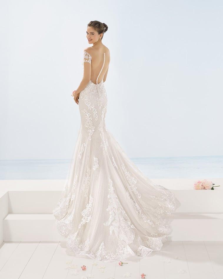 Brudekjole med nude effekt på ryggen